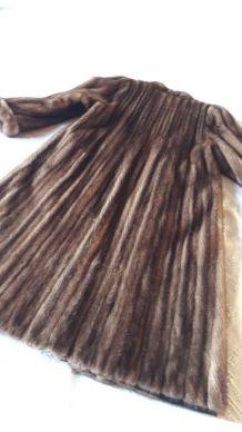 Manteau vison fourrure de belle qualité