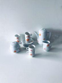 Service à café ou thé en porcelaine