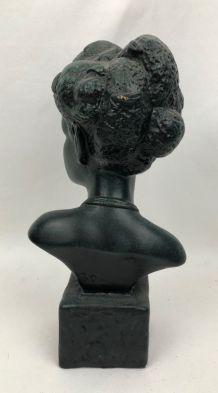 Statuette en plâtre patiné bronze