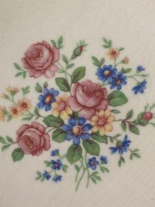 Jolies assiettes anciennes  fleuries