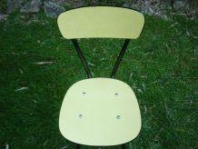 Chaise en formica jaune pieds noirs