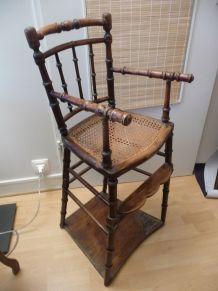 Chaise d'enfant ancienne en bois