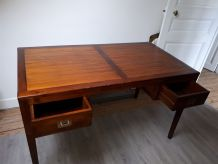 Bureau en bois exotique