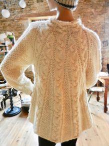 Superbe pull à torsades écru en pure laine