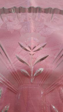 Plat cristal taillé motif floral rectangulaire