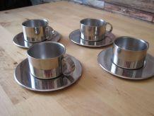 4 petites tasses a café en metal