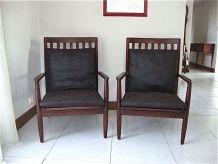 Deux fauteuils en teck Grete Jalk.