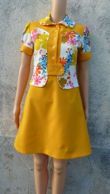 70s robe patineuse taille 36 comme neuve
