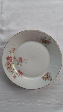 Anciennes Assiettes à dessert porcelaine motif floral