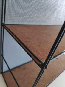 étagère string structure métal noir et tablettes isorel