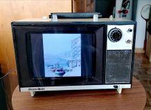Cadre numérique dans une télévision Vintage