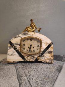 pendule de cheminée en marbre et laiton mécanisme d'origine