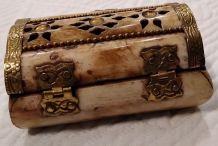 Boite a bijoux miniature en os de Yak