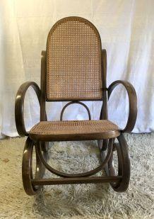Rocking chair en bois courbé inspiré de THONET – mid. XXème