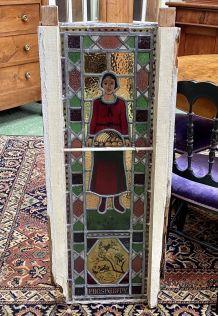 Paire de vitraux anglais à décor maçonnique