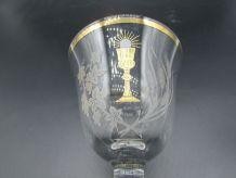 ancien verre à pied souvenir de communion avec boite