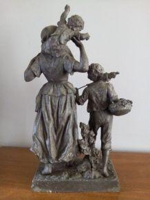 """Statue """" Paysanne et ses enfants """" Régule signé RANCOULET"""