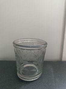 Pot à confiture en verre ancien
