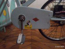 Vélo de rééducation de kinesithérapeute des années 50