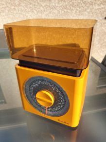 Balance de cuisine orange Teraillon - Année 70