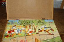 Ancienne boîte de cubes bois
