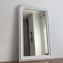 Grand miroir vintage fin 19ème. Blanc. 106x65.