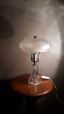 petite lampe pied  cristal et verre depoli et