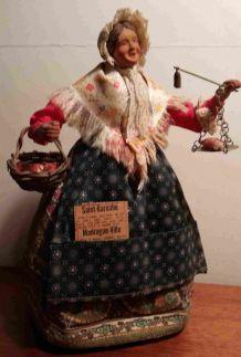 Ancien santon de Provence La poissonnière estampillé