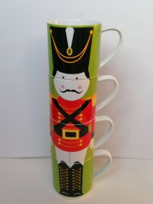 4 mugs Maxwell et Williams grenadiers