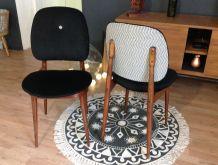 Duo de chaises Pégaze restaurées, design  Pierre guariche