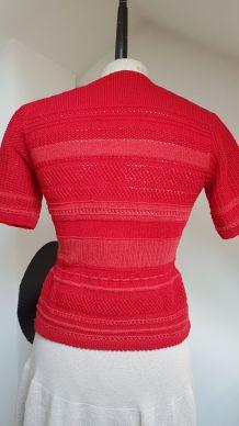 gilet en crochet rouge