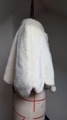 Cape de mariée hiver en fausse fourrure épaisse