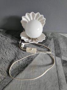 lampe coquille céramique blanche et globe opaline
