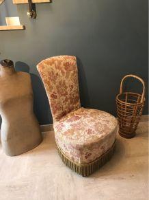 Fauteuil crapaud / chauffeuse 1970 en tapisserie vintage