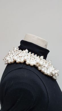 collier fausses perles collerette