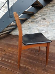 Chaise scandinave en skaï