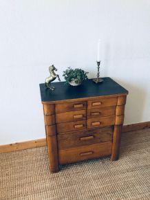 Ancien meuble de métier, travailleuse La Pratique