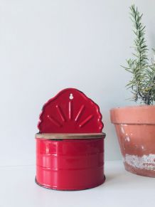 Ancien pot de cuisine émaillé rouge