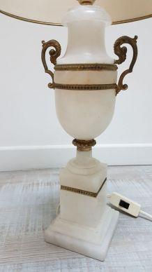 Pied de lampe de style antique