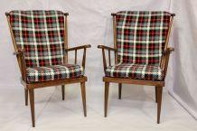 Élégant paire de fauteuils de la maison Baumann,