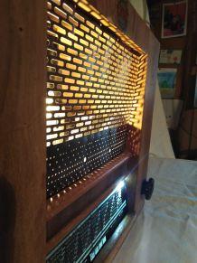 Radio transformé en lampe /lampe industrielle/detournement