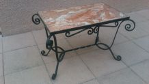 Table basse fer forge et marbre rose