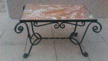 Table basse fer forge et marbre rose