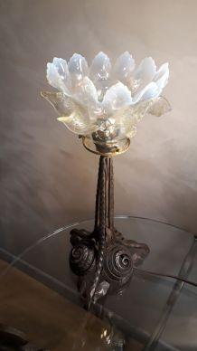 lampe a tulipe opalescente art nouveau 1900 a 1930 fer forg