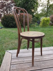 Chaise bistrot cannée Thonet 1950