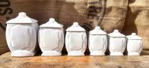 Série de 6 pots à épices en faïence