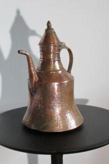 Pichet en cuivre et bronze exotique