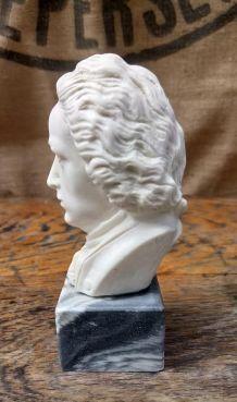 Buste de Bach en albâtre sur socle en marbre