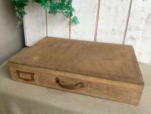 Ancienne valise en bois