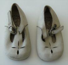 paire de chaussures cuir boucle enfant Babybotte taille 16